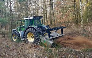 Blunk Forstarbeiten: Wildwuchs mulchen