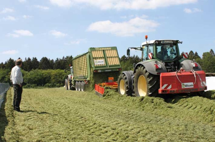 Blunk: Krone ZX 550 GD - Siloverteiler - 2 Fendt 900 Vario