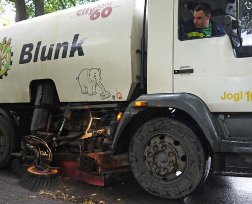"Blunk Kehrmaschine ""Jogifant"" - Titel"