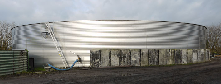 Blunk-Güllebehälter fur die Aufnahme von Überkapazitäten und zur Zwischenlagerung