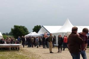 Blunk mit Blunk mit Gülle-Selbstfahrer auf BASF-Jubiläumsfeier in Schleswig-Holstein