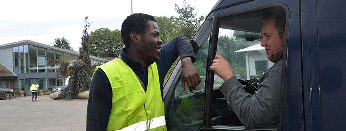 blunk-mitarbeiter-kelvin-aus-nigeria-titel2