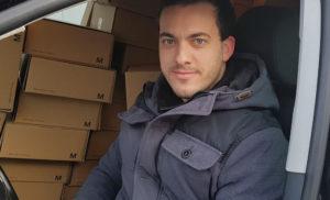 Blunk Weihnachtspäckchen auf dem Weg zur Post _1