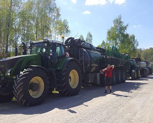 Blunk-Maschinen fahren durch Lettland -3