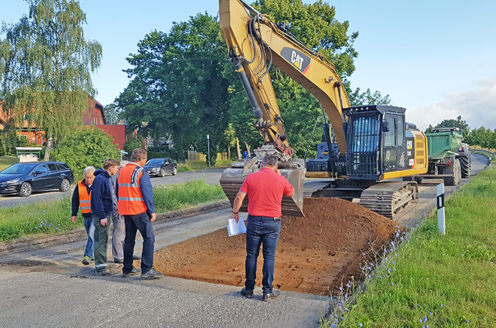 Blunk Straßenbau Tragschicht einbauen
