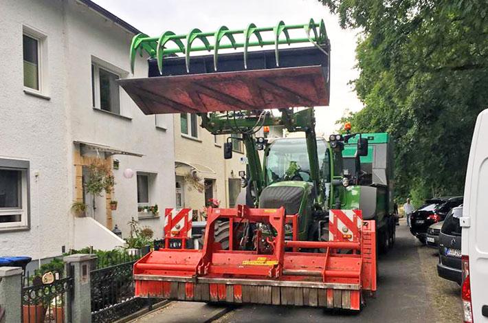 Blunk: Schreddern von Schnittgut für Berliner Blumenerde