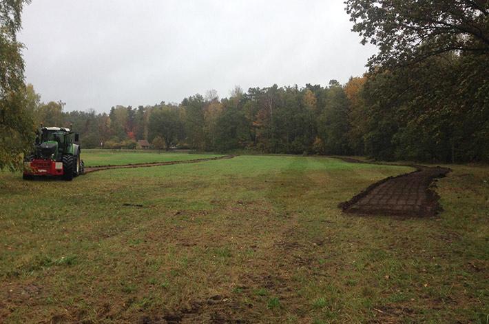 Blunk baut Natur-Golfanlage - hier Anlage der Spielflächen