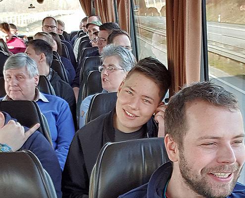 Blunk Gruppe auf Betriebsausflug zum Boßeln in Wismar - im Reisebus aus Rendswuehren 1