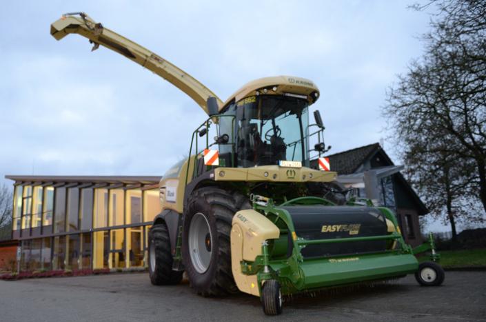 Blunk Maschinenpark - Krone Feldhäcksler Big X 630