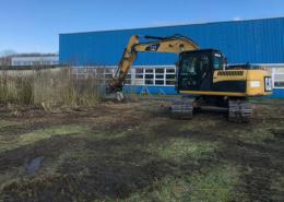 Blunk mulcht nasse Fläche: Moorlaufwerk am Bagger im Einsatz