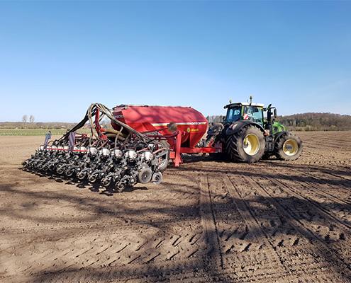 Blunk drillt mit Aggregaten von Precision Planting