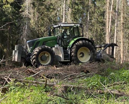 Blunk mulcht Forst gegen den Borkenkäfer 11