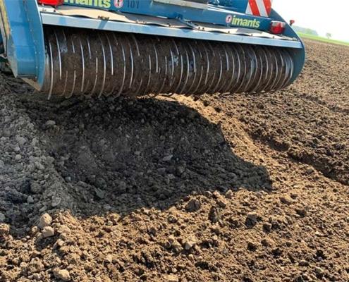Blunk Schlick mit Spatenmaschine 40 cm in Boden eingearbeitet 04
