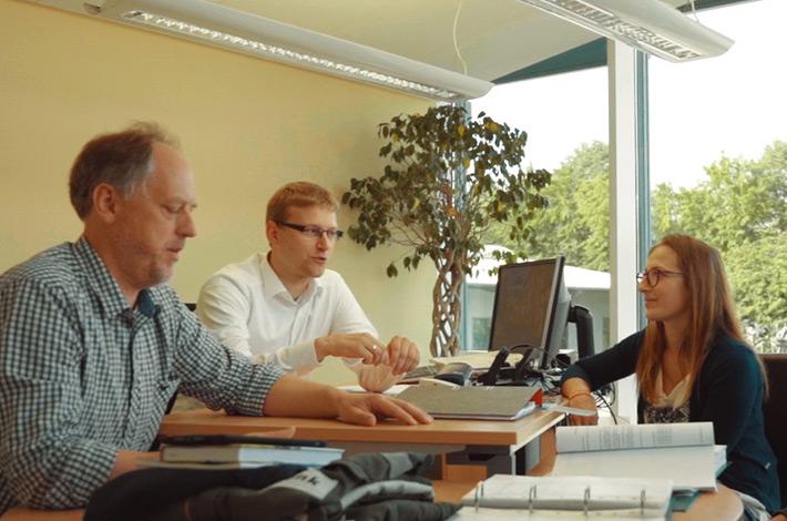 Hanna in der Ausbildung zur Kauffrau für Büromanagement bei Lohnunternehmen Blunk