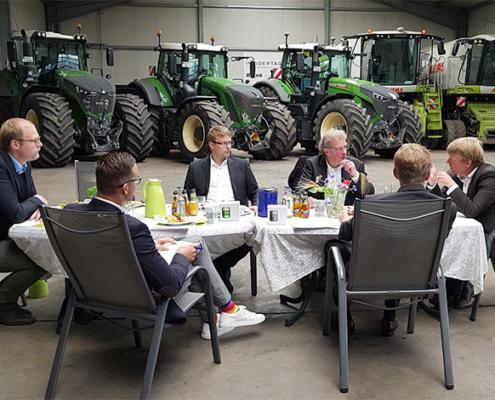 Ministerpräsident Günther besucht Umwelt- und Agrardienstleister Blunk 08