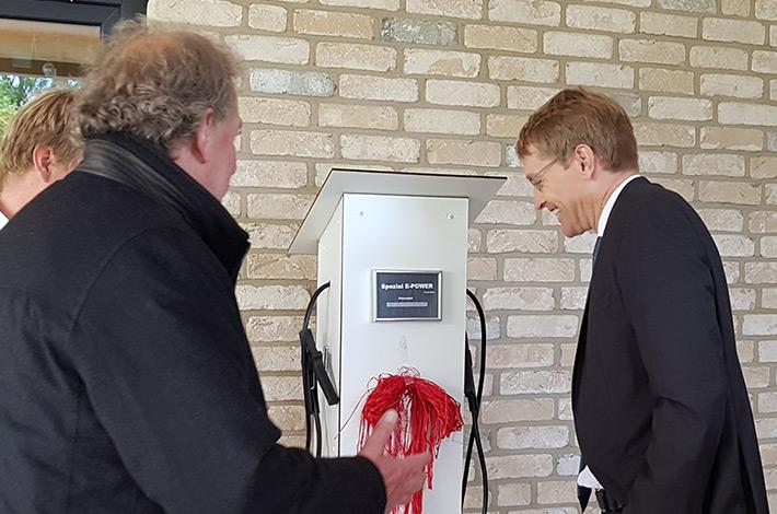 Ministerpräsident Günther besucht Umwelt- und Agrardienstleister Blunk 17