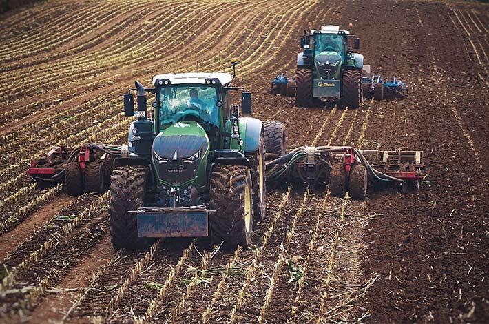 Blunk im Film beim Mais häeckseln in Honigsee - 09