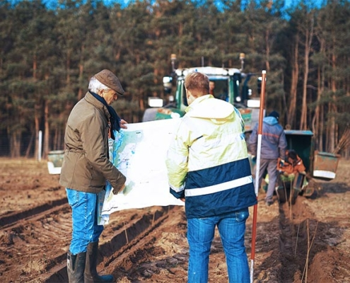 Blunk: Bäume pflanzen für NfG für TESLA 22