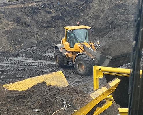 Blunk Umwelt-Lösungen: Baggerarbeiten und Siebarbeiten 20