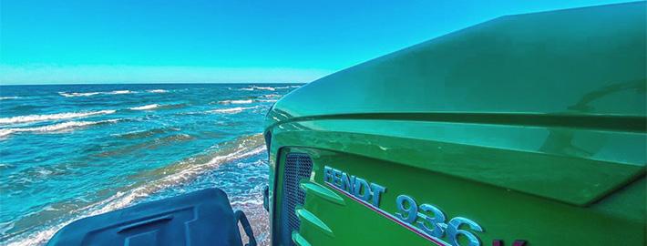 Dienstleister Blunk transportiert Sand auf Strand Warnemünde 09
