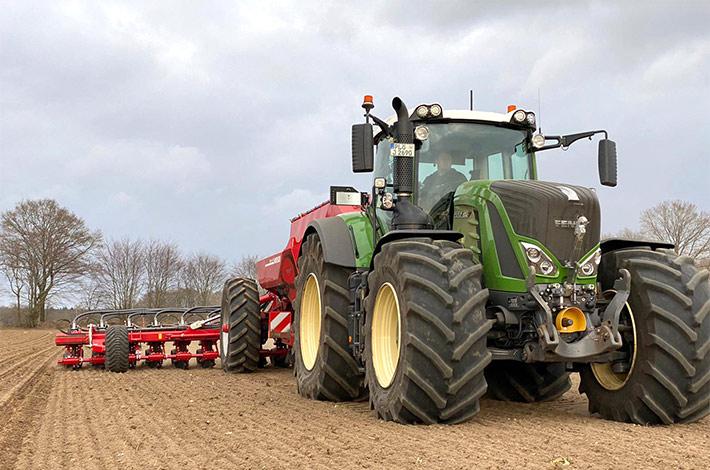 Blunk-Team Rendswühren beim Mais legen / tom-dirks_05