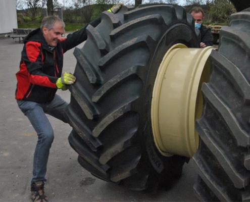 Blunk: Fendt Felgentest mit neuen Reifen von GKN 04