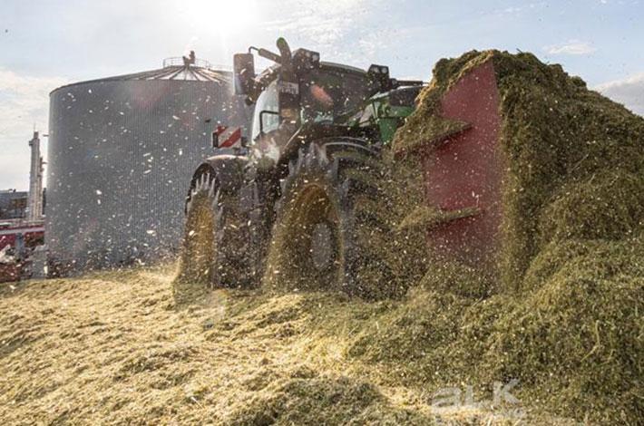 Blunk Lalendorf: Agrar-Team verteilt GPS Ernte im Silo blk02
