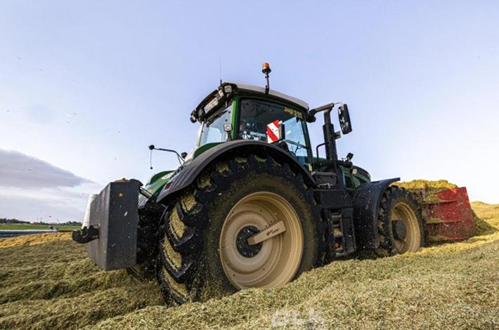 Blunk Lalendorf: Agrar-Team bei der GPS Ernte blk05