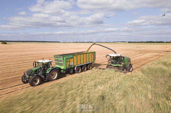 Blunk Lalendorf: Agrar-Team bei der GPS Ernte blk01