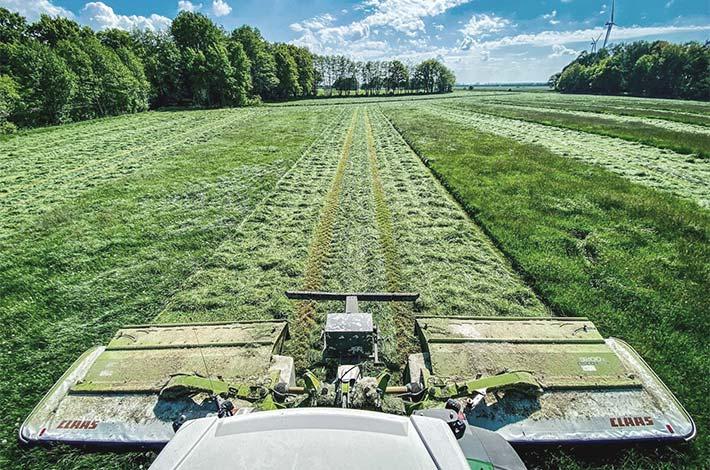Blunk Lalendorf: Agrar-Team bei der GPS Ernte SM03