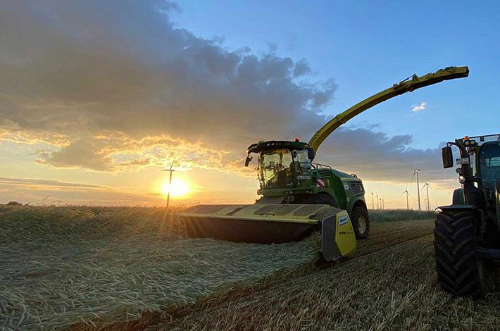 Blunk Lalendorf: Agrar-Team beim GPS haeckseln ML01