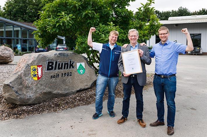 Blunk erhält Ehrenurkunde der DLG 02